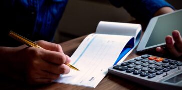 Writing Cheques for Business Banking